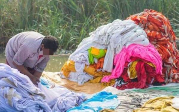 الإفراج عن «متحرش هندي» شرط غسل ملابس 2000 امرأة لستة أشهر