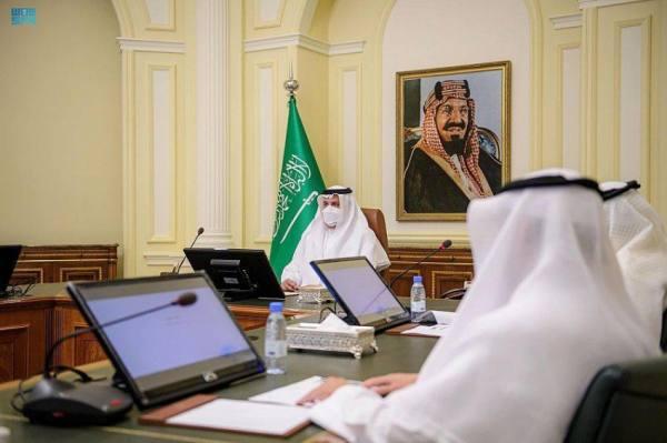 أمير المدينة يطلق «وقف الشفاء» لتقديم الخدمات الإنسانية للمقيمين