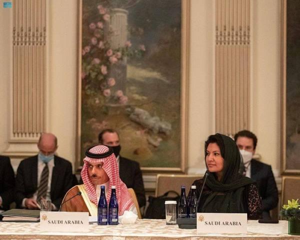 وزير الخارجية يشارك في اجتماع الترويكا مع نظيره الأمريكي