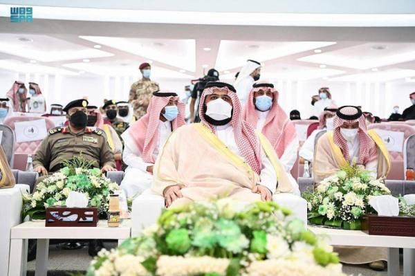أمير جازان بالنيابة يشارك الأهالي العرضة السعودية احتفالاً باليوم الوطني