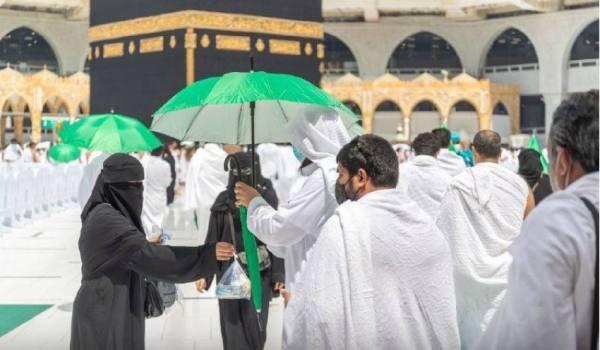 شؤون الحرمين: توزيع (3000) مظلة اليوم بالمسجد الحرام