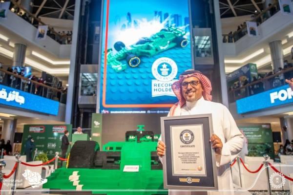 السعودية تحطم الأرقام القياسية.. ببناء أكبر مجسم سيارة فورمولا من الليغو