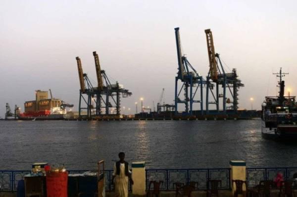 السودان..محتجون يغلقون أنبوبي تصدير واستيراد النفط