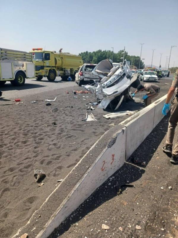 مصرع (4) أشخاص وإصابة (5) في حادث مروري بالمدينة
