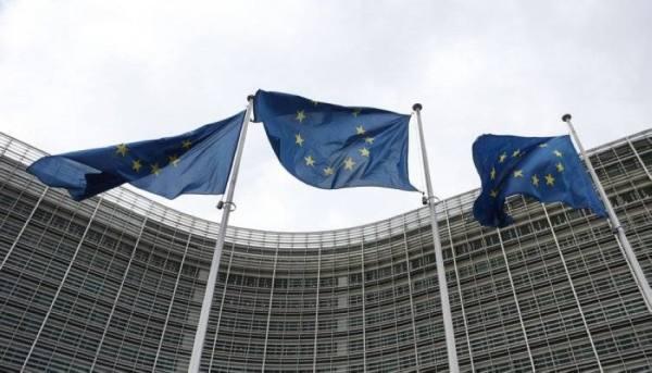 قادة الاتحاد الأوروبي يرصون صفوفهم لمواجهة واشنطن وبكين