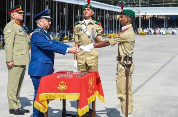 تخرج 23 سعودياً..رئيس الأركان ضيف شرف بالأكاديمية العسكرية الباكستانية